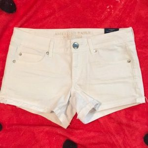 White American Eagle Shorts! Size 6! With Tags!